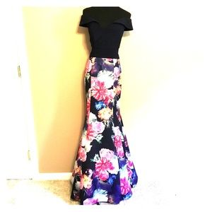 Xscape Peekaboo Navy & Floral Gown